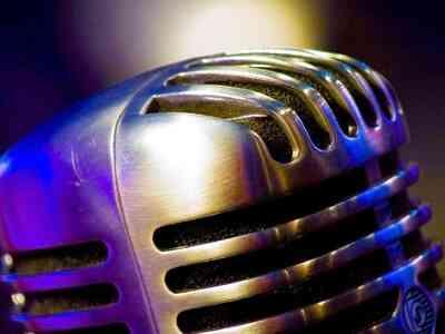 Comment Faire un Crédible Vintage Microphone Accessoire de Scène