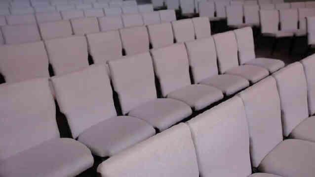 Les Avantages-Inconvénients de Théâtre ou de Style de Ligne de la Salle de Configurations