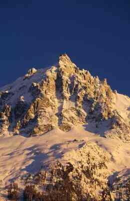Comment Faire une chaîne de Montagnes à Partir de Papier Mâché