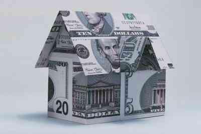 Comment Faire un Origami Réservoir Avec un Dollar