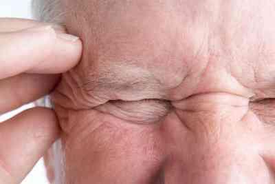la Différence Entre une Migraine Céphalée de Tension-un Sinus maux de tête