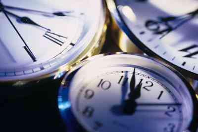 Comment Définir une Atomix Horloge