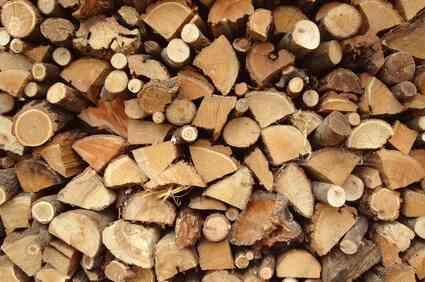 Les Poêles à granules contre les Poêles à Bois
