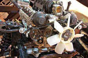 Remplacement courroies de ventilateur: voiture de réparation et d
