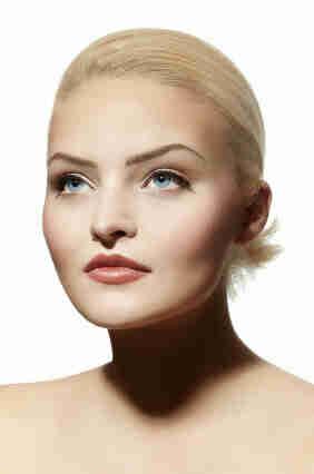 Choisir le bon maquillage pour les yeux bleus