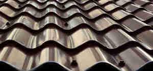 Installation de toiture en métal
